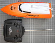 Non-compliant radio controlled boat overall view