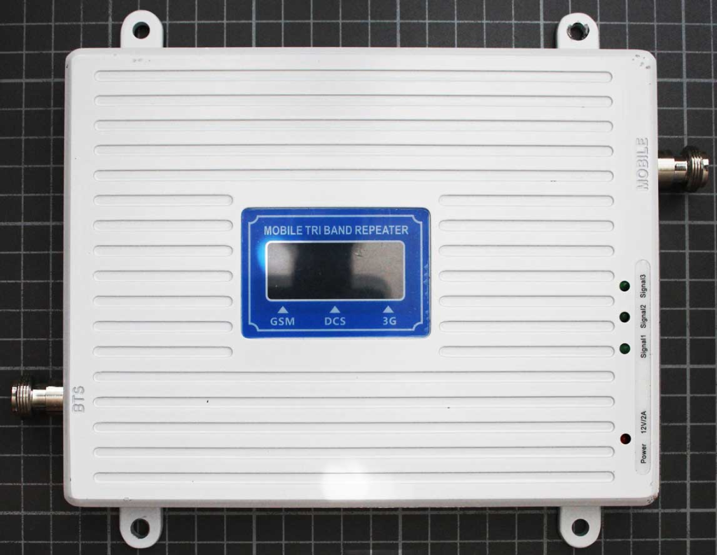 Non-compliant GSM/DCS/3G repeater view from top
